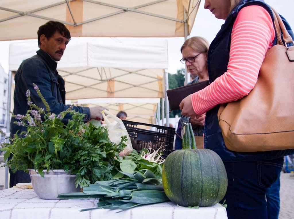 Au marché, la naissance d'une nouvelle communauté Slow Food
